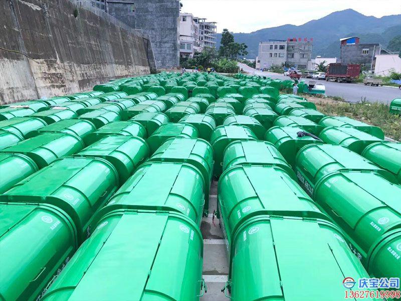 贵州省黔西南望谟县环卫车垃圾箱顺利验收