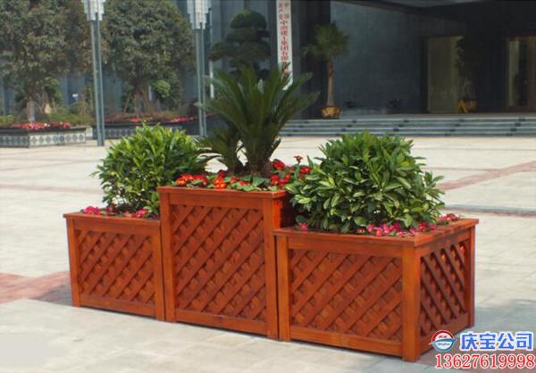 BOB户外花箱生产厂家,防腐木玻璃钢实木花箱生产制造