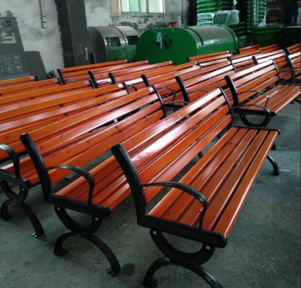 BOB两江新区公园休闲椅装车(图2)